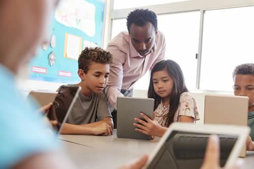 Foto da Notícia Informática Educativa incentiva o aprendizado dos alunos